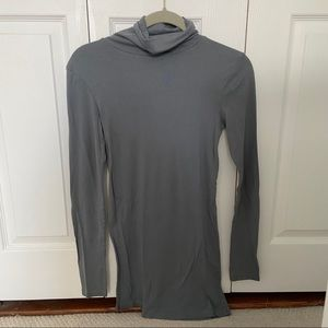 Gray turtleneck t-shirt